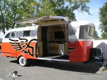 golf apparel on tour in an airstream and spartan pop up shop. Black Bedroom Furniture Sets. Home Design Ideas